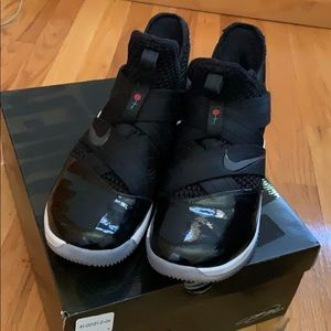 LEBRON SOLDIER XII BASKETBALL SNEAKERS